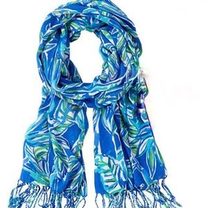 🎁 Lilly Pulitzer The Lilly scarf NWT